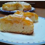 Torta con yogurt e albicocche