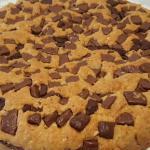 Torta cookie con farcitura di crema di cioccolato
