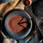 Torta cremosa al cioccolato e peperoncino senza farina