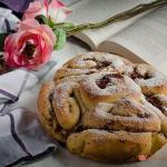 torta delle rose alla marmellata di fragole