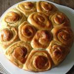 Torta roselline farcita alla crema pasticcera