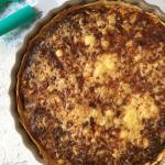 Torta salata di patate, porri e mela