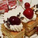 Tortini alla ciliegia, panna e cioccolato e la collaborazione con l'azienda  freddi continua