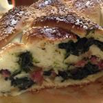 Treccia di pan brioche salata con ripieno