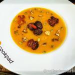 Vellutata di zucca piccante con castagne e pomodorini confit