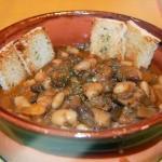 Zuppa funghi fagioli e speck