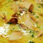 Zuppa orientale di cavolfiore arrosto