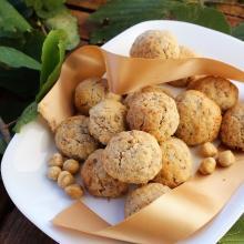 Biscotti con nocciole e corn flakes