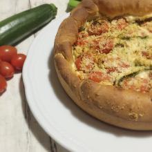 Brioche salata con pomodorini e zucchine