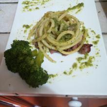 Bucatini con salsiccia e broccoli