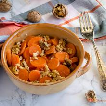 carote con noci e aceto balsamico