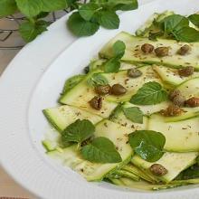 carpaccio di zucchine ai capperi limone e menta