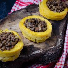 Cestini di polenta con lenticchie