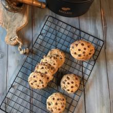 Cookies americani con gocce di cioccolato
