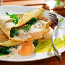 crepes farcite al salmone e spinaci