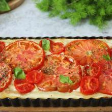 Crostata salata con pomodori e stracchino