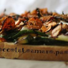 Crostone con carote, zucchine e uova