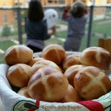 HOT CROSS BUNS PANINI SPEZIATI DI ORIGINE INGLESE