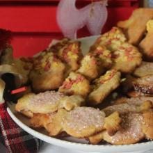 I biscotti di frolla senza uova e con panna per la befana