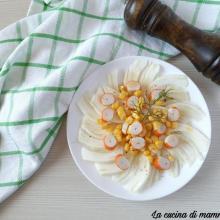 Insalata di finocchi mais e surimi