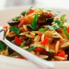 insalata di riso con verdurine
