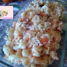 Insalata di riso polpa di granchio e gamberetti