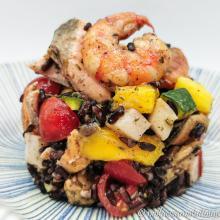 Insalata di riso venere golosa con pesce e mango