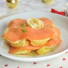 millefoglie di salmone, patate e finocchi