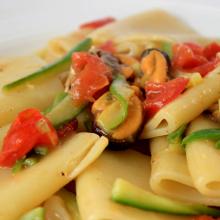 Paccheri Cozze Zucchine e Peperoni