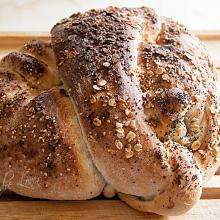 Pane annodato all'olio EVO con note speziate