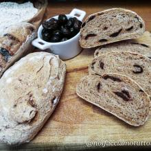 Pane integrale alle olive