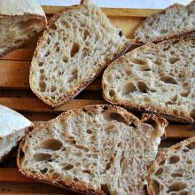 Pane pomeridiano con riposo in frigo