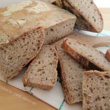 Pane semi integrale idratato al 100%