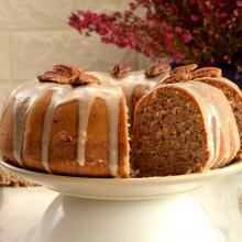 Pecan bundt cake con glassa allo sciroppo d'acero