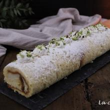 Rotolo di pandoro con crema al pistacchio