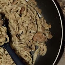 Tagliatelle con farina di castagne e funghi