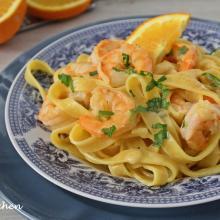 Tagliatelle con gamberi e arancia ( ricetta facile e veloce)