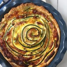 Torta salata con zucchine e mortadella