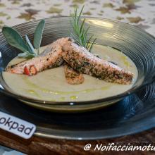 Trancetti di salmone agli aromi su vellutata di fagioli cannellini