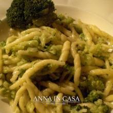 Trofie con pesto di broccoli