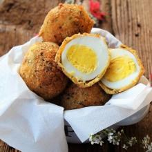 Uova impanate e fritte