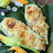 Zucchine ripiene con tonno e mozzarella