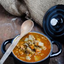 Zuppa di lenticchie e patate al curry