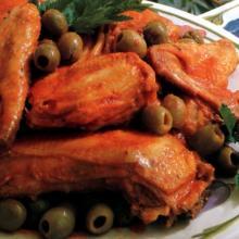 ali di pollo alle olive
