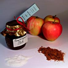 Confettura di mele per l'Italia nel piatto
