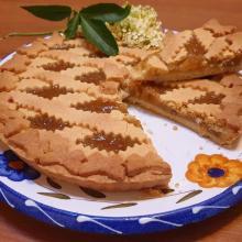 Crostata con marmellata di mele e sambuco