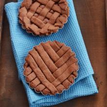 Crostatine al cacao e crema di nocciole (prove di intreccio 2.0)