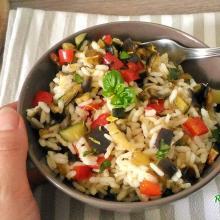 insalata di riso con verdure saltate