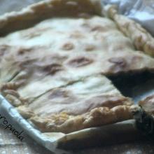 La torta salata con spinaci e prosciutto