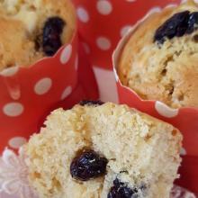 Muffin cioccolato bianco e mirtilli rossi